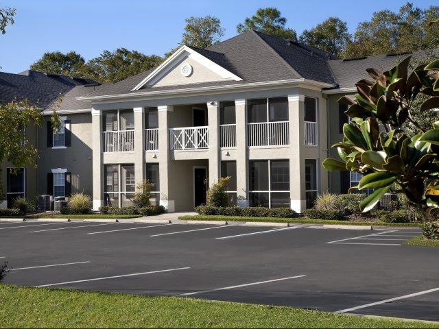 Colonial Grand Seven Oaks Apartments
